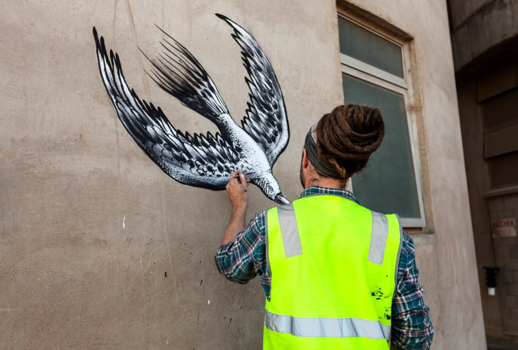 In April 2015 London artist Phlegm and Atlanta native HENSE gathered their paint tins, aerosols, rollers and brushes and struck out for a two week residency at Northam, the heritage town on the banks of the Avon River.